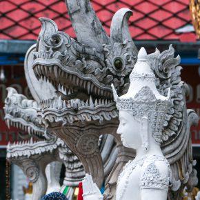 チェンマイの彫刻たち
