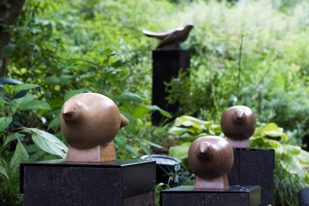 コジュケイの木彫